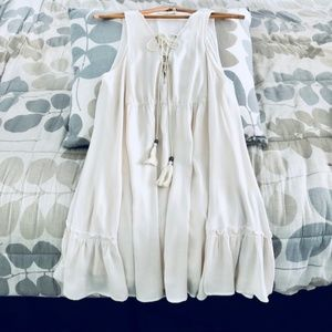 Dresses & Skirts - 🎉HP🎉 Beautiful Cream Boho Beach Dress